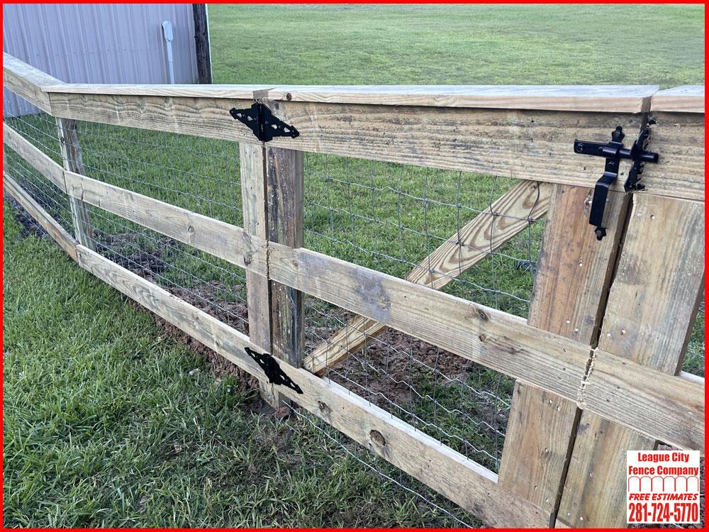4-FT-Ranch-Wood-Gate-League-City-Fence-Company