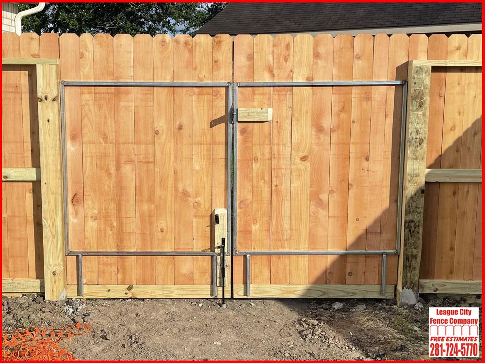 8-FT-Double-Swing-Cedar-Gate-League-City-Fence-Company