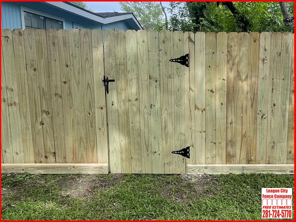 Pine-Fence-42-Inch-Gate-League-City-Fence-Company